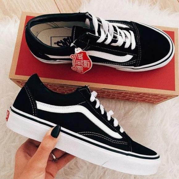 Bnwt Vans Ward Lo Suede Shoe